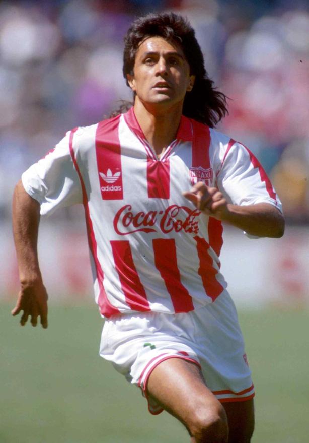 1993: Action file photo of Efrain Herrera of Necaxa during the weel 30 of the mexican soccer/Foto de accion de archivo de Efrain Herrera de Necaxa durante la semana 30 del futbol mexicano.MEXSPORT/DAVID LEAH
